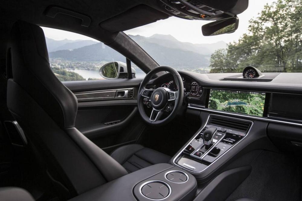 Porsche Panamera Turbo 2017 4