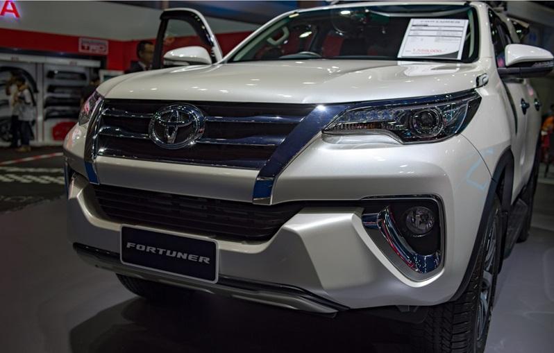 Toyota Fortuner 2017 1