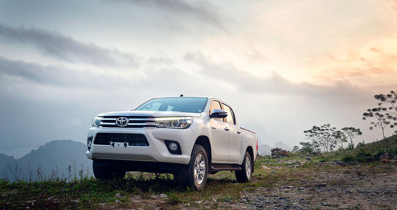 Đánh giá xe Toyota Hilux 2016 1