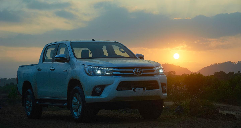 Đánh giá xe Toyota Hilux 2016 11