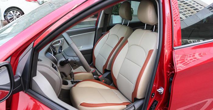 Nội thất của xe được nâng cấp nhìn hiện đại hơn