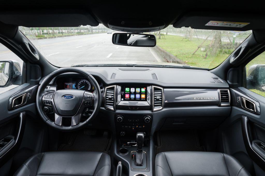 Lời khuyên cho bạn lái xe SUV an toàn 2