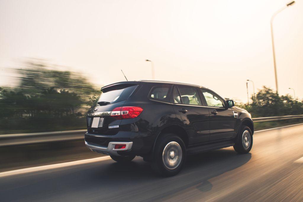 Lời khuyên cho bạn lái xe SUV an toàn 4