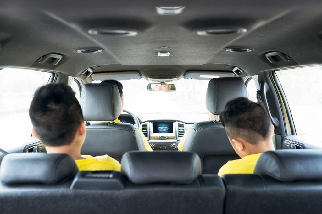 Lời khuyên cho bạn lái xe SUV an toàn 8