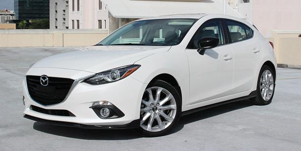 Chiếc xe Mazda 3 đang được chào bán trên thị trường