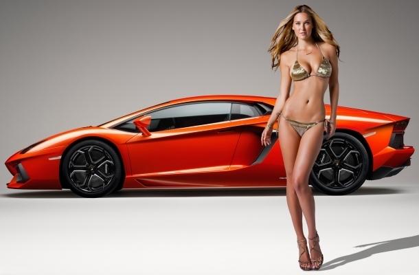 Loạt chân dài nóng bỏng khoe dáng bên siêu xe Lamborghini 1