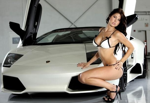 Loạt chân dài nóng bỏng khoe dáng bên siêu xe Lamborghini 2