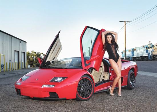 Loạt chân dài nóng bỏng khoe dáng bên siêu xe Lamborghini 6