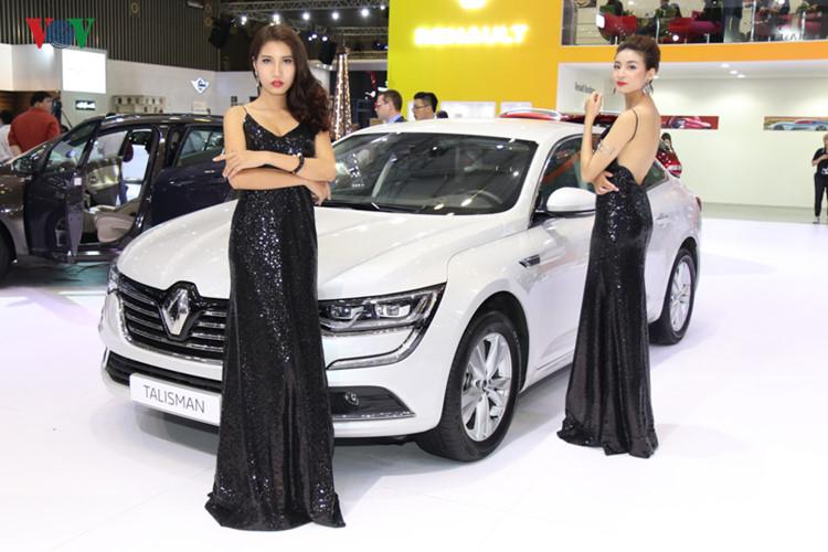Triển lãm người đẹp và xe sang tại VIMS 2017 20
