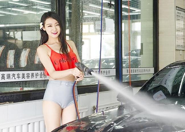 """Lạc vào """"thiên đường"""" chân dài sexy rửa xe 9"""