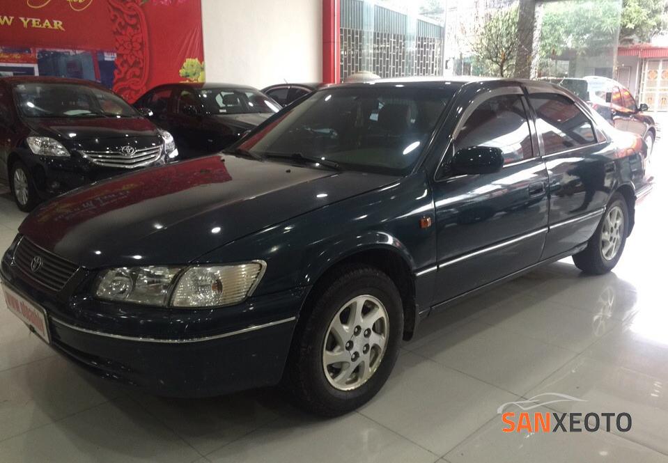 Mua ô tô cũ giá rẻ Toyota Camry đời 2001 chỉ với 400 triệu đồng