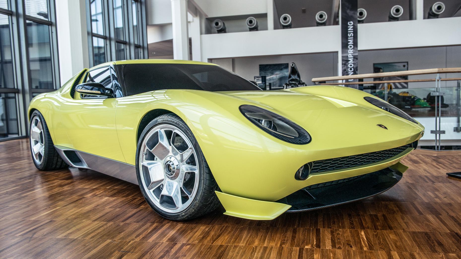 Cùng chiêm ngưỡng bảo tàng của siêu xe Lamborghini 16