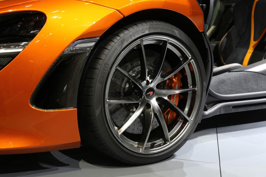 siêu xe McLaren 720S 5