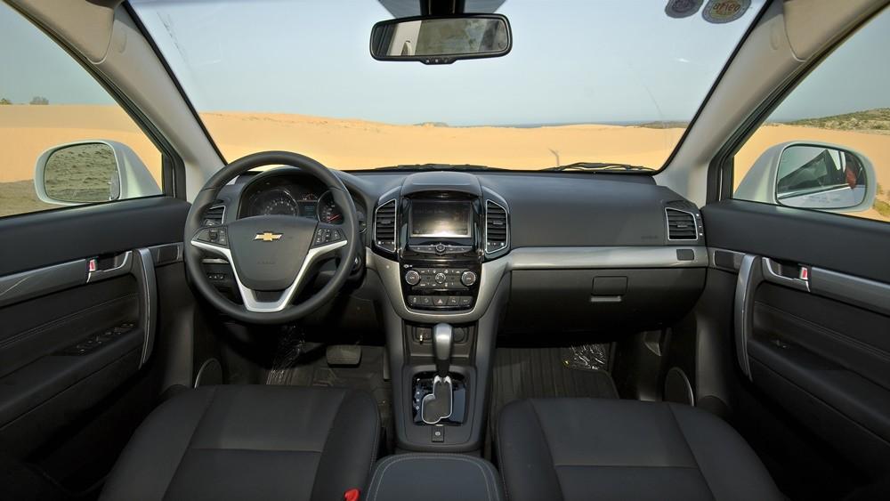 Chevrolet Captiva Revv và Isuzu MU-X 3