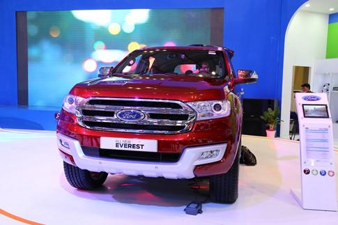Ford Everest và Toyota Fortuner 2