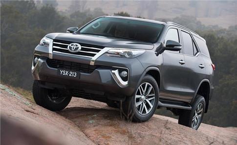 Ford Everest và Toyota Fortuner 3