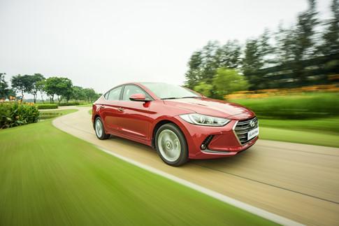 Hyundai Elantra và Kia Cerato: Cuộc đua giữa những 'kẻ bám đuổi' 5