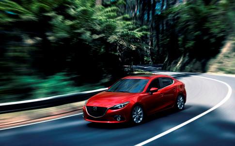 Mazda3 và Toyota Corolla Altis 5