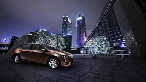 Mazda3 và Toyota Corolla Altis 6