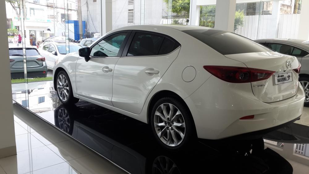 So sánh xe Honda Civic và Mazda3 sedan 2.1