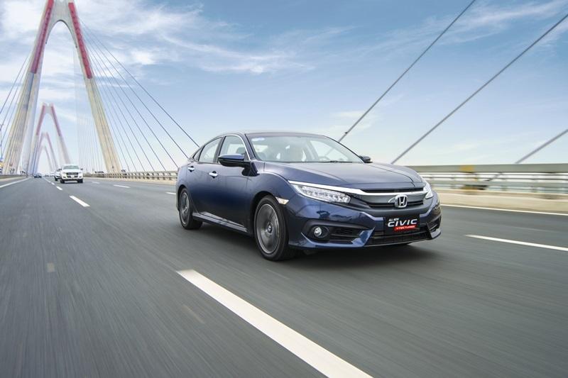 So sánh xe Honda Civic và Mazda3 sedan 4