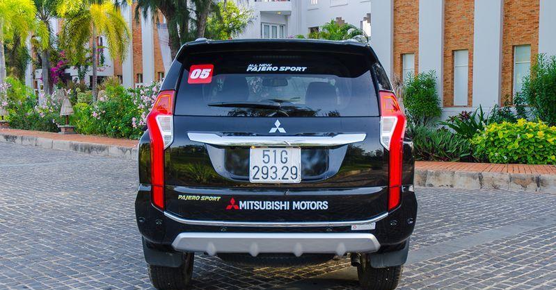 Toyota Fortuner 2017 và Mitsubishi Pajero Sport 2017 10-1