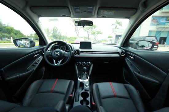 Toyota Yaris và Mazda2 3