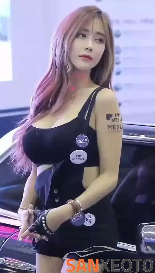 gái hàn siêu xe