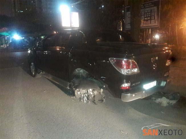 tai nạn ô tô kéo lê xe máy ngã 6 ô chợ dừa