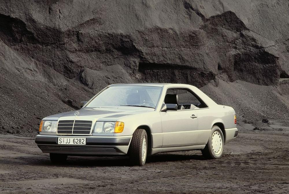 Mercedes E-Class Coupe và lịch sử phát triển 30 năm 1
