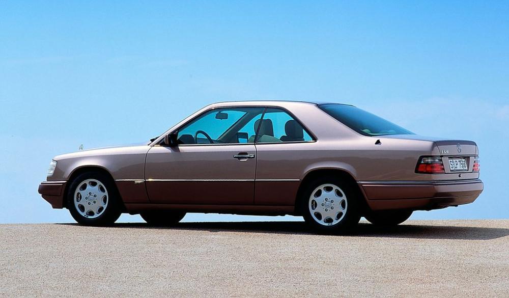 Mercedes E-Class Coupe và lịch sử phát triển 30 năm 2