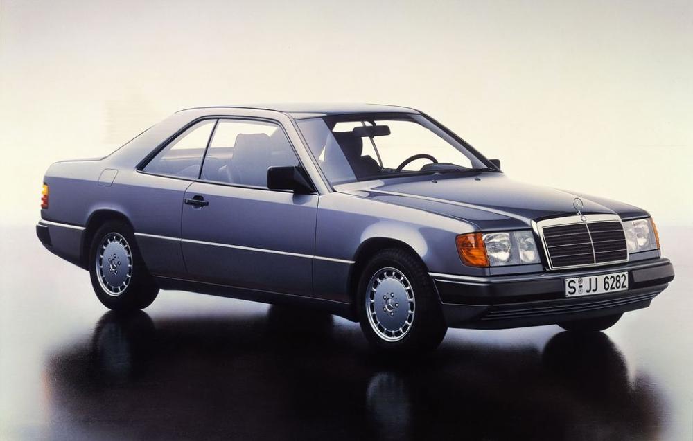 Mercedes E-Class Coupe và lịch sử phát triển 30 năm 6