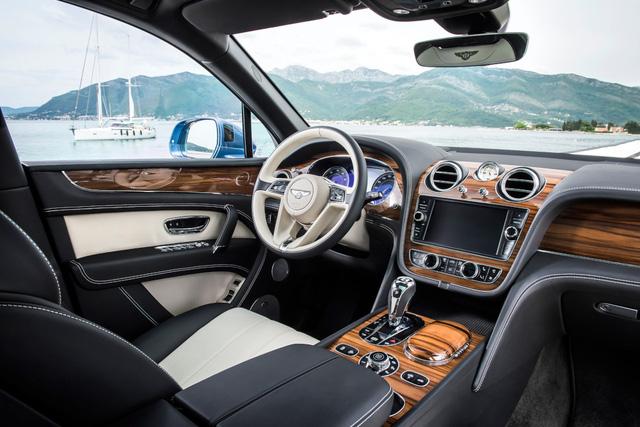Top 10 thiết kế nội thất ô tô xuất sắc nhất 2017
