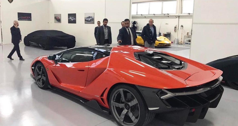 Trình làng với Lamborghini Centenario giá 1,9 triệu USD 1