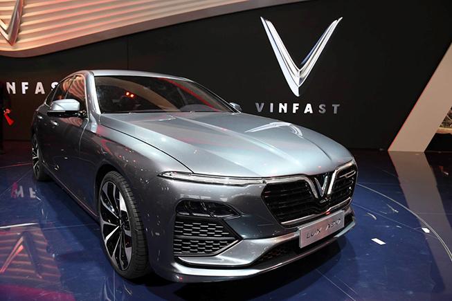 đánh giá mẫu xe vinfast lux A2.0